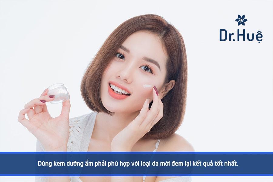 [Hướng dẫn] Cách sử dụng kem dưỡng ẩm đúng cách cho làn da